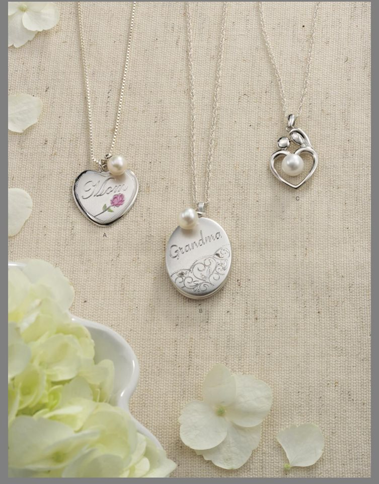 Dollar Mothers Day Ring And Necklace